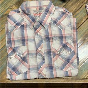 Wrangler long sleeve pearl snap shirt. XL